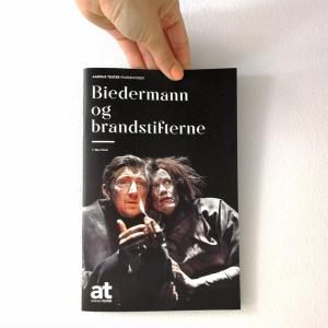 biedermann og brandstifterne anmeldelse aarhus teater