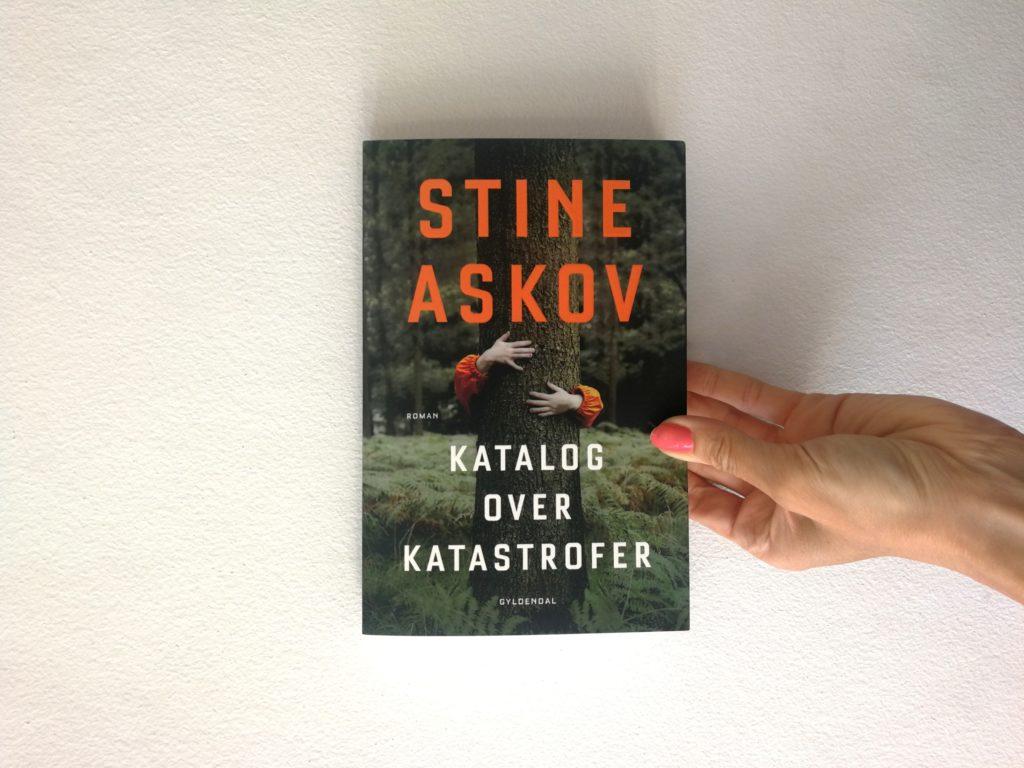 katalog over katastrofer stine skov gyldendal roman anmeldelse kulturmor