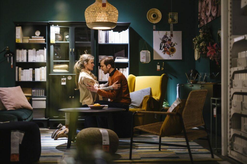 Kærlighed efter lukketid, Aarhus Teater i Ikea. Foto: Rumle Skafte