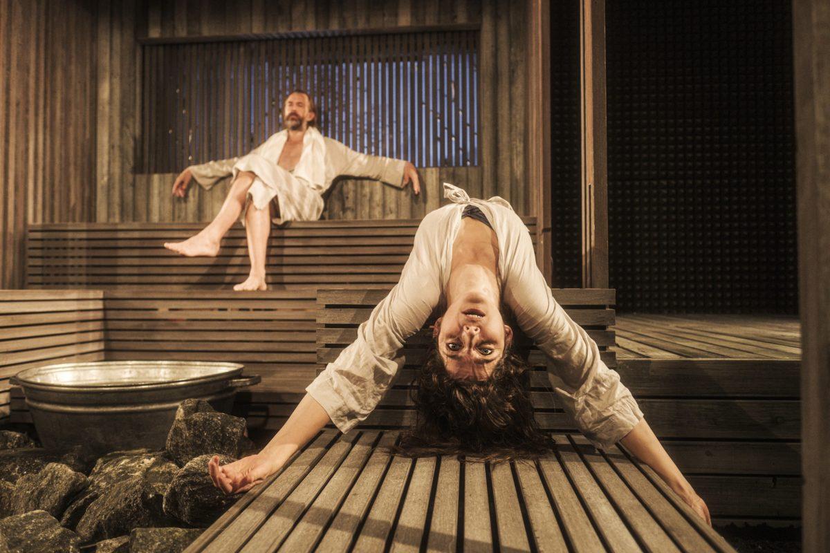 Når vi døde vågner, Aarhus Teater. Foto: Rumle Skafte