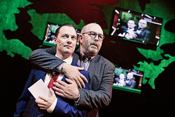 odense teater død over eliten anmeldelse information
